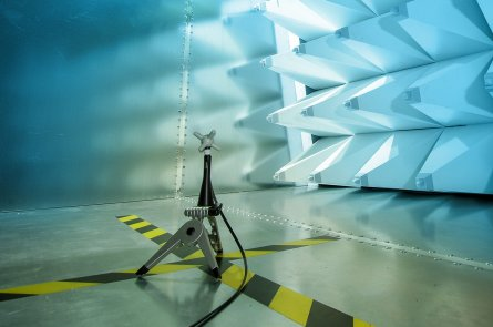Testing antenna in chamber