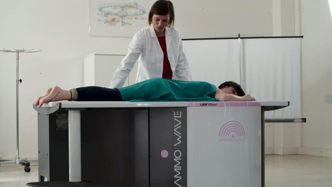 MammoWave® Breast Cancer Detection 9 GHz VNA Medical Vector Network Analyzer.